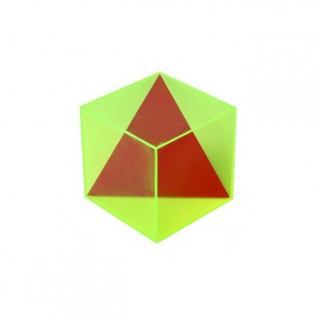 Kocka a vpísaný trojuholník